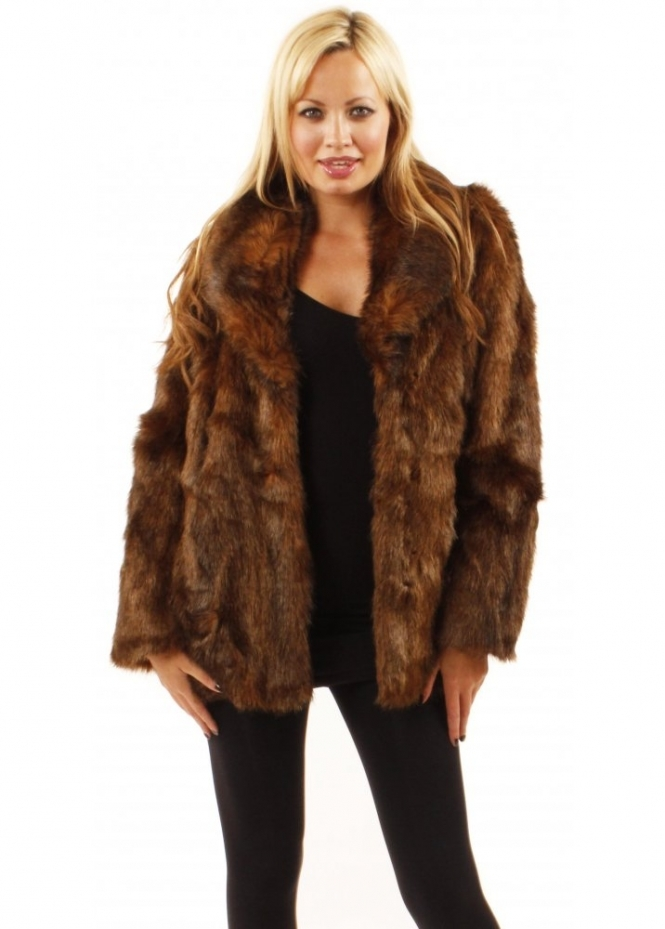 When the temperatures dip, it's time to snuggle into fur and faux fur jackets from Neiman Marcus. We carry fur coats in an array of striking designs and cuts. Our collection includes stylish coats in bright as well as nude shades.
