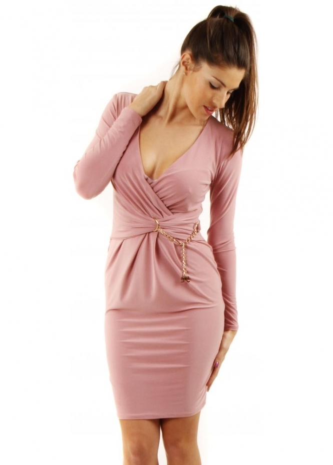 Look fanciful this season in this dusky pink bodycon dress. In a figure flattering fabric this high neck beaut will give you killer curves. Team with nude strappy heels and matching clutch for a luxe look.