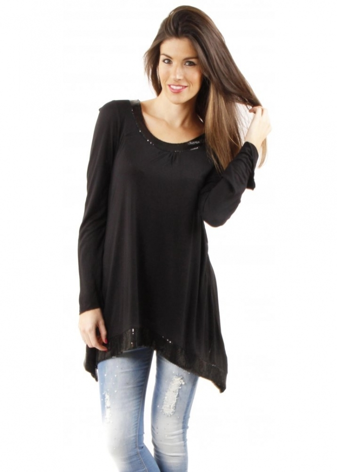 Carol Wright carries a wide selection of comfortable and stylish Women's Tunic Tops. Sizes for every Woman. SHOP NOW & SAVE!!