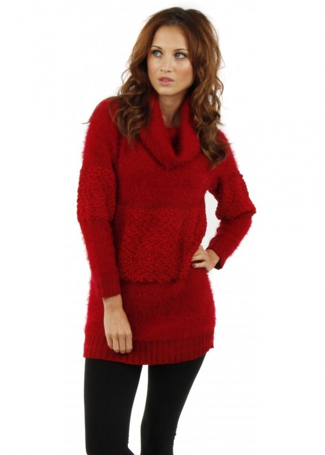 Keep out the chill and add a burst of colour to your wardrobe with women's red knitwear. Plain or cable-knit jumpers keep you cosy when the temperature dips, and eye-catching designs with heart and star motifs add a sense of fun to your everyday outfits.