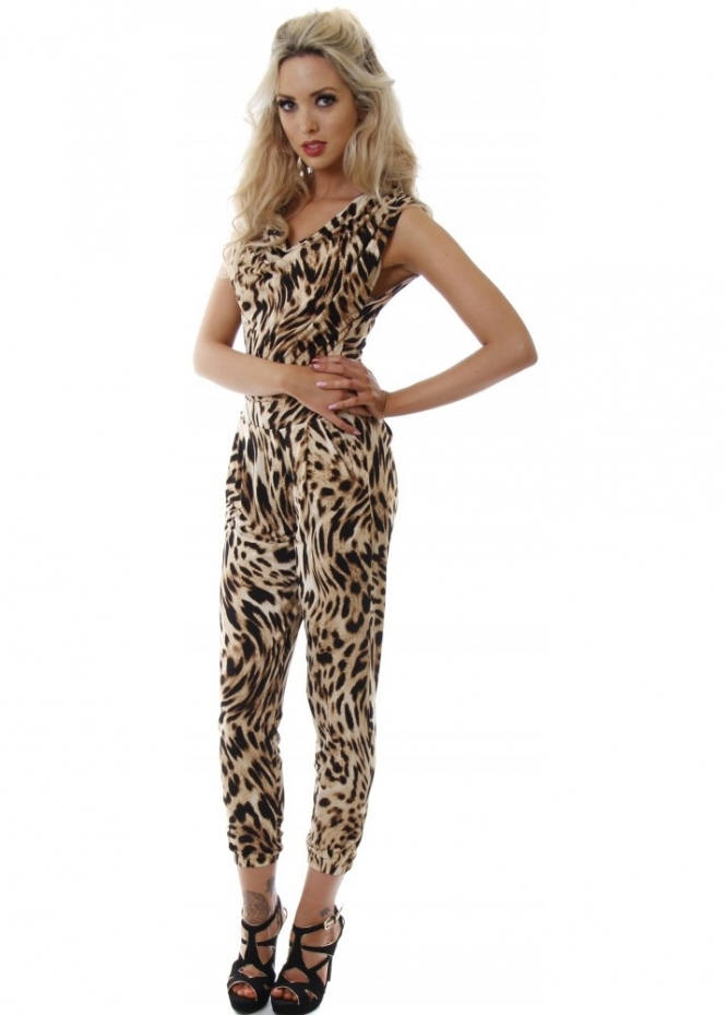 There are leopard jumpsuit suppliers, mainly located in Asia. The top supplying countries are China (Mainland), Hong Kong, and India, which supply 95%, 2%, and 1% of leopard jumpsuit respectively. Leopard jumpsuit products are most popular in North America, South America, and Eastern Europe.