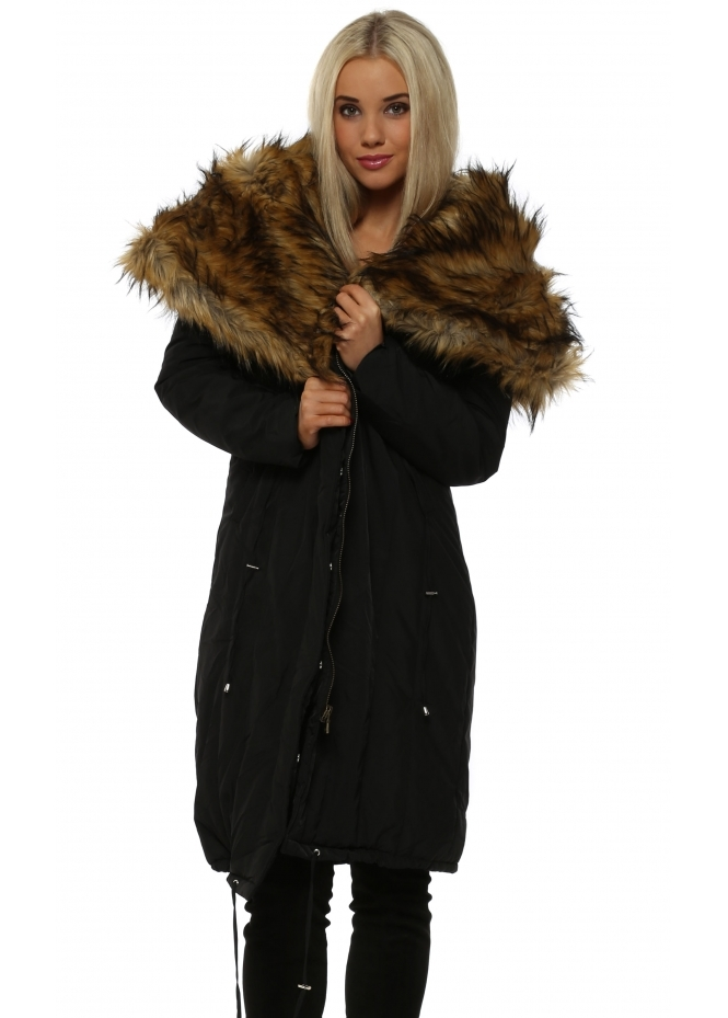 Urban Mist Black Quilted Coat With Oversized Luxe Faux Fur Collar