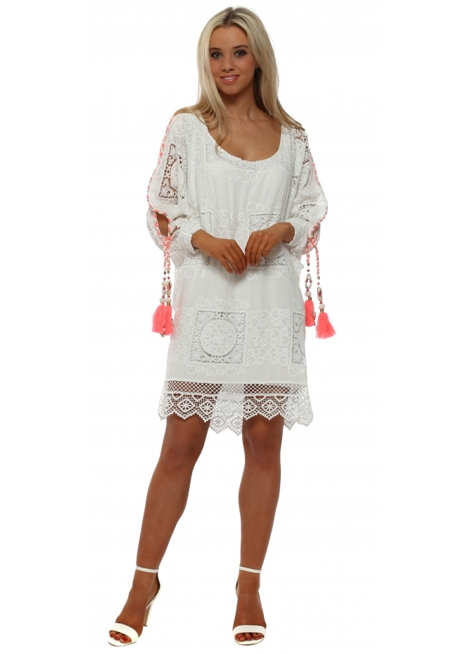 Laurie & Joe White Lace Overlay Shift Dress