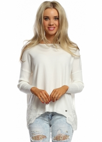 Made In Italy Short White Lace Hem Ribbed Sleeve Jumper