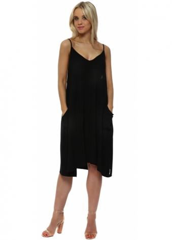 Slippy Stringlet Strap Side Pocket Dress In Black