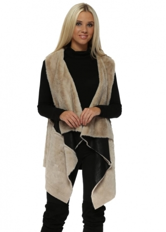 Long Gilet In Two Tone Black Faux Shearling