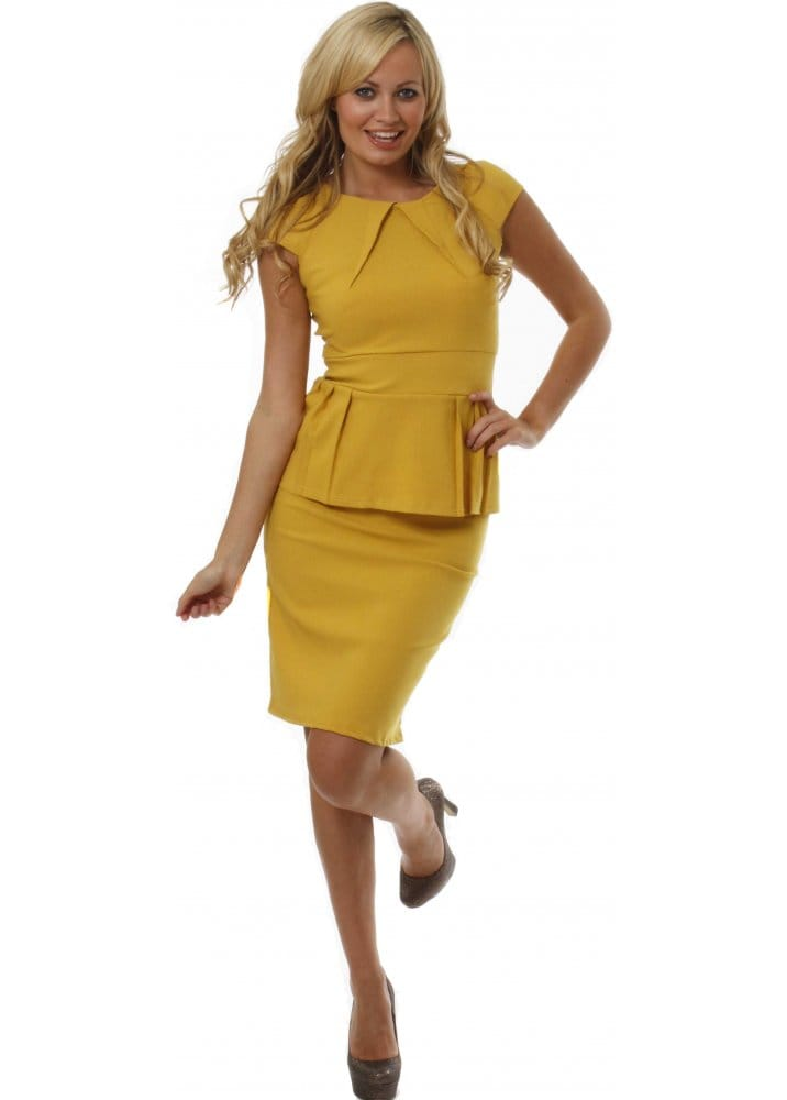 plus size yuletide dress up