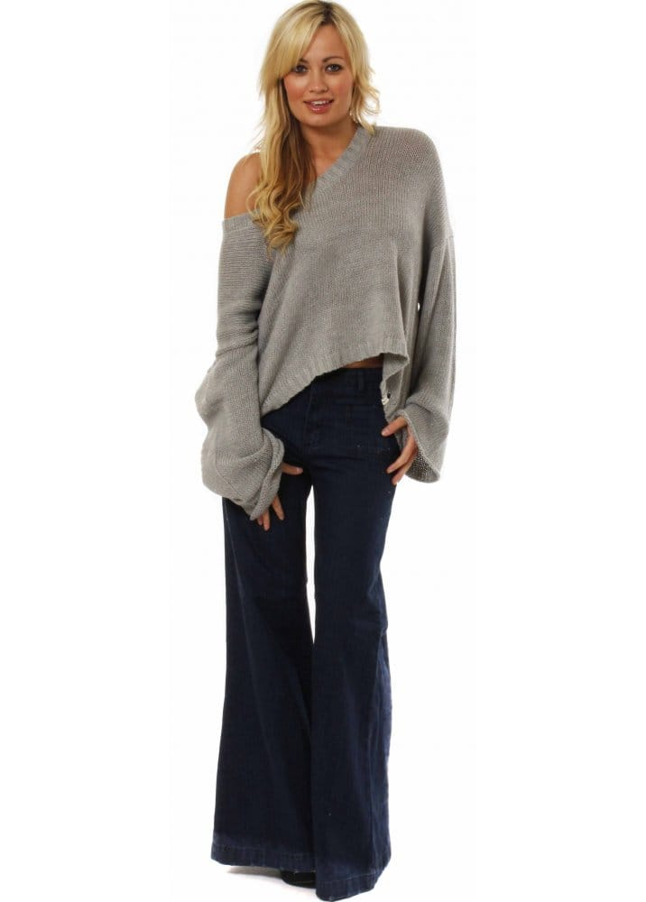 Women's Wide-leg jeans Just as good dressed-up as they are for easy weekends, wide-leg jeans are an essential in your denim wardrobe. Tuck in your shirt .