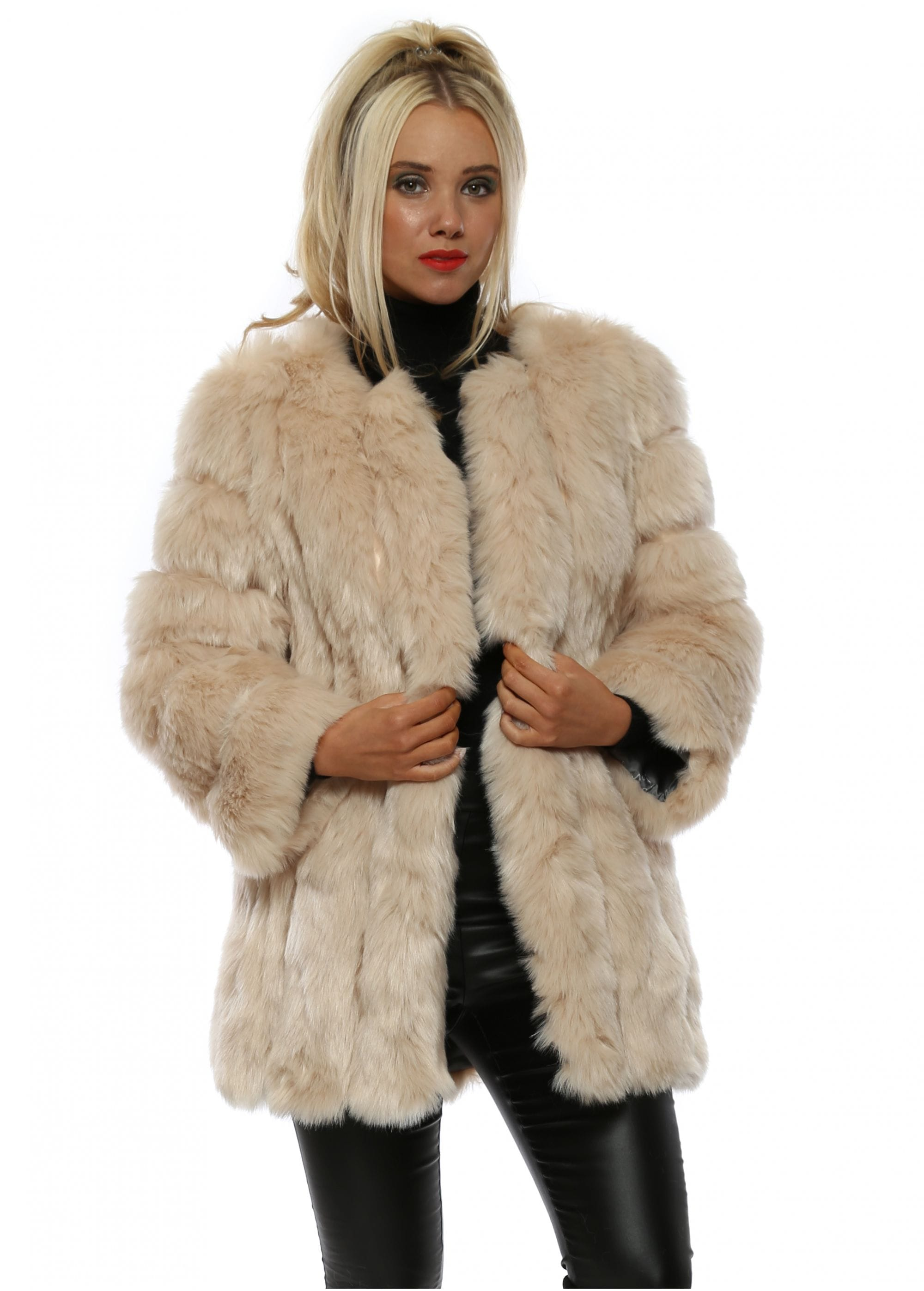 Missguided Cassie Shaggy Faux Fur Coat Nude in Natural | Lyst