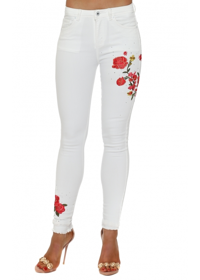 French Boutique White Floral Embroidered Sparkle Stretch Fit Jeans