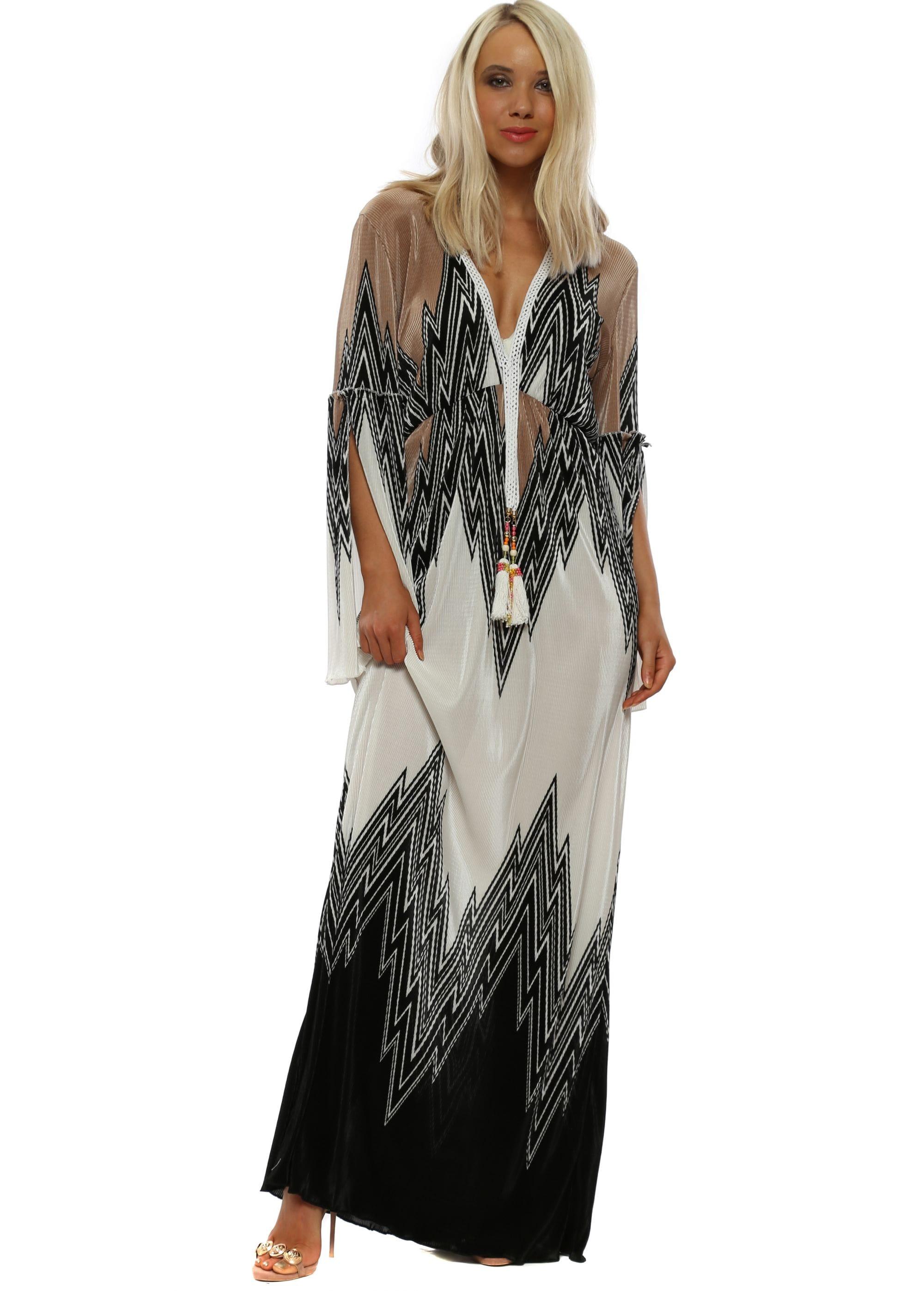 f059e18e435a2a Black Zig Zag Pleated Maxi Dress